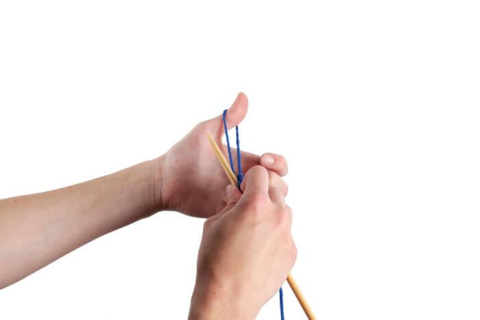 Создание петли для воздушного набора при помощи большого пальца